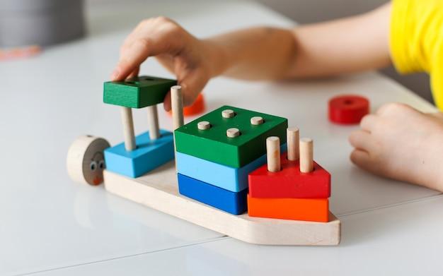어린이를 위한 교육 논리 장난감 어린이 발달을 위한 몬테소리 게임 어린이 나무 장난감