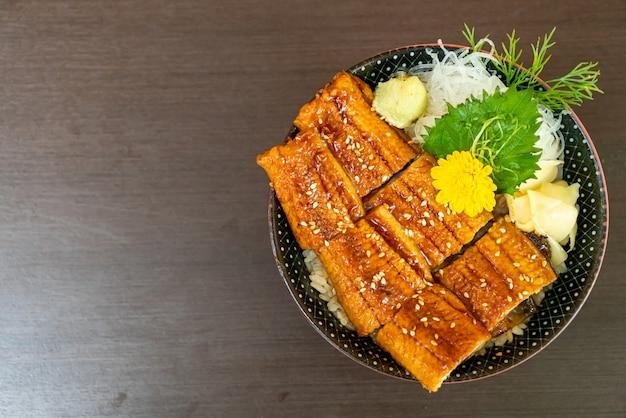 Eel (unagi) on topped rice bowl (donburi)