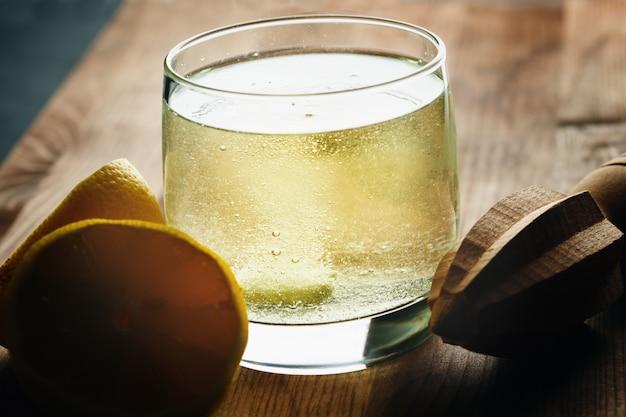 비타민 c의 발포성 발포성 정제
