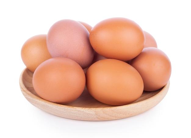 Яйцо, изолированные на белом фоне