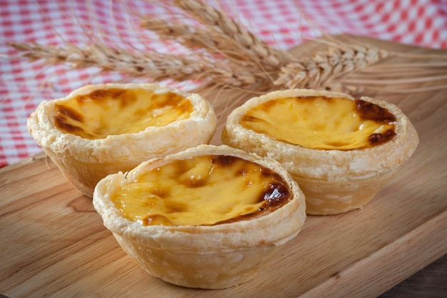 Egg tart on wooden