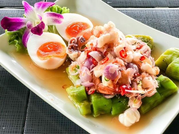 Eggplant spicy salad with shrimps