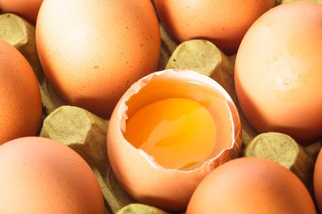 Яйца в картоне
