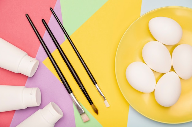 Яйца, подготовленные к покраске