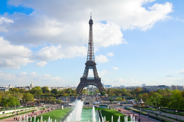 Eiffel tour and fountains of trocadero, paris, france
