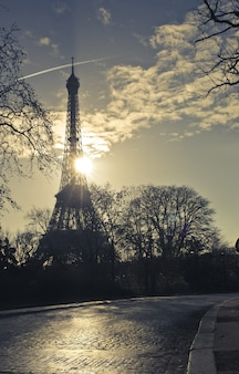 Eiffel tour in the light