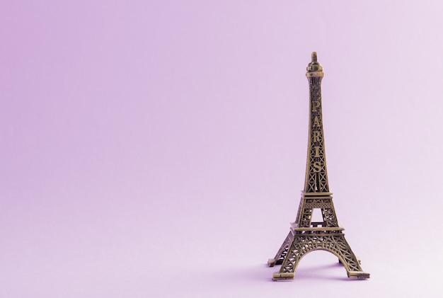 Эйфелева башня знаменитая достопримечательность