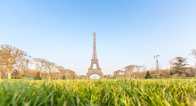 Eiffel tower garden spring paris