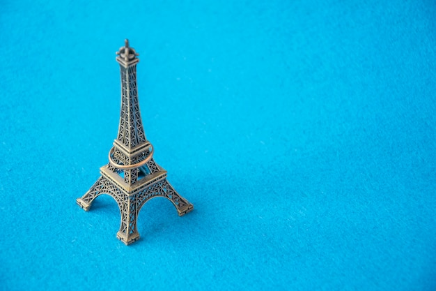 Eiffel tower small metal model with jewelry ring
