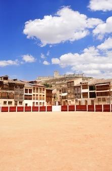 スペイン、カスティーリャレオン、バリャドリッド県、ペニャフィエルのエルコソ広場