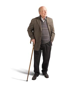 지팡이로 걷는 노인 프리미엄 사진