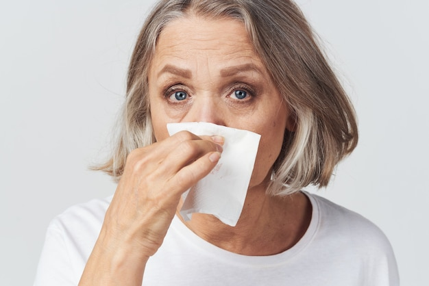 할머니 콧물 손수건 감기