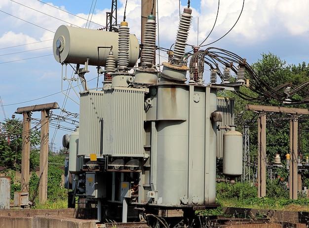 Силовой высоковольтный трансформатор