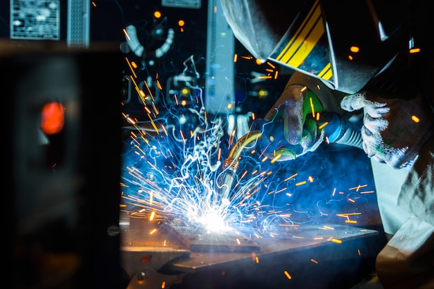 Electric welder working with argon
