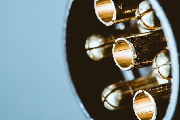 金メッキ接点付きトレーラー用電気コネクタ Premium写真