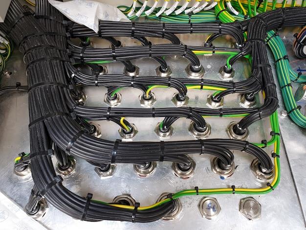 変圧器ローカル制御キャビネットの電気制御絞り