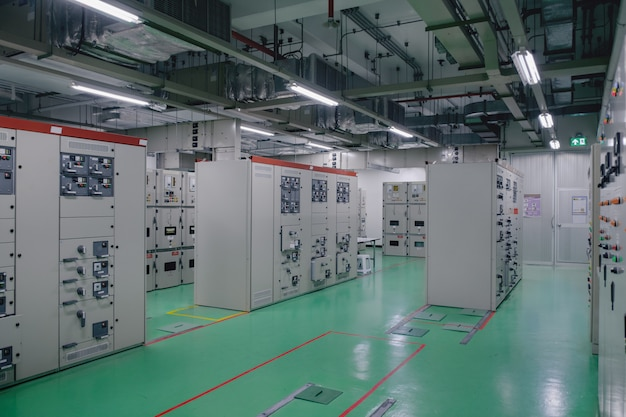 石油化学産業または石油およびガス精製所の変電室