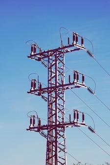 Электрическая вышка, высокое напряжение, передающая башня