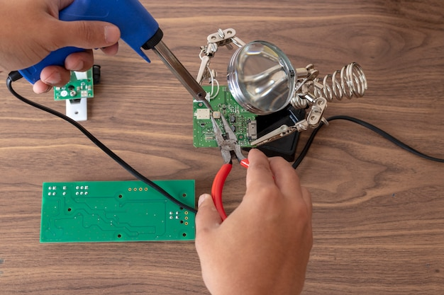 Electronic circuit repair