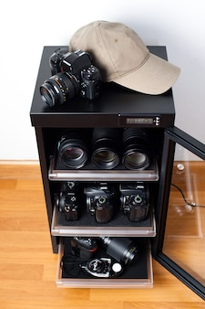 ストレージカメラレンズやその他の写真機器用の電子除湿ドライキャビネット Premium写真