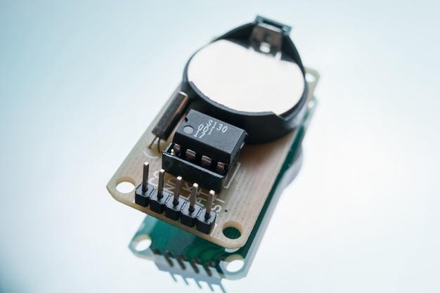 로봇 장난감 칩을 만드는 전자 부품