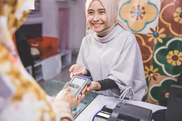 Electronic payment at fashion store