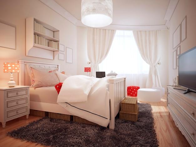 枕と柔らかい白い毛布付きの豪華なベッドの近くにかわいいベッドサイドテーブルを備えたアールデコ調のエレガントなベッドルーム。