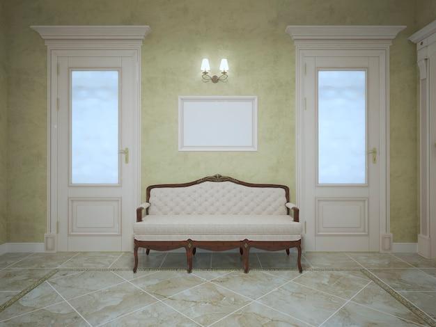 올리브 벽과 밝은 대리석 바닥, 두 개의 문과 보루가있는 비싼 집 복도의 두 문 사이에 우아한 벤치.