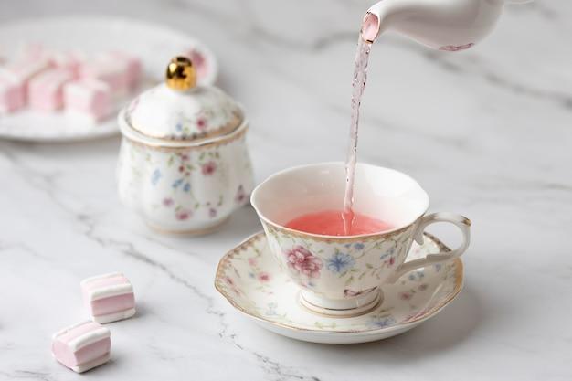 Элегантное чаепитие в ассортименте