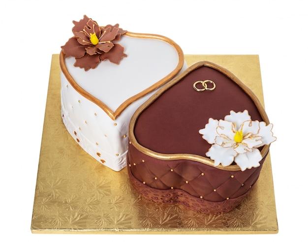 エレガントなウェディングケーキ2つの心。