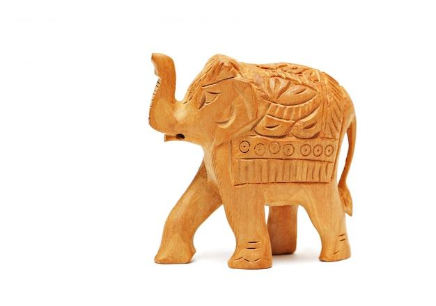 Фигура слона изолирована
