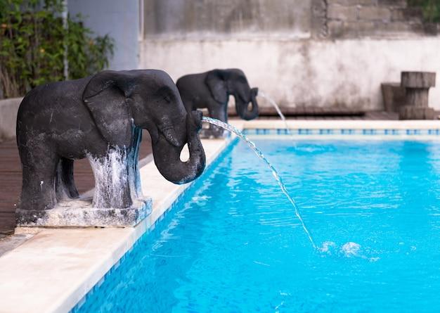 象の形をした噴水