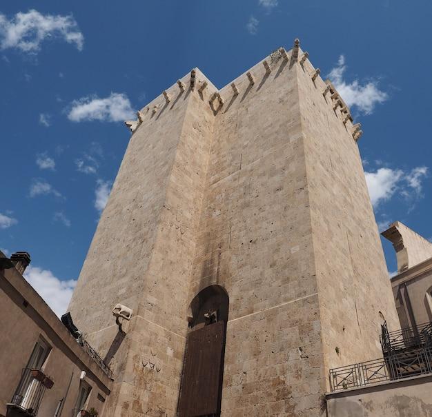 カリアリの象の塔