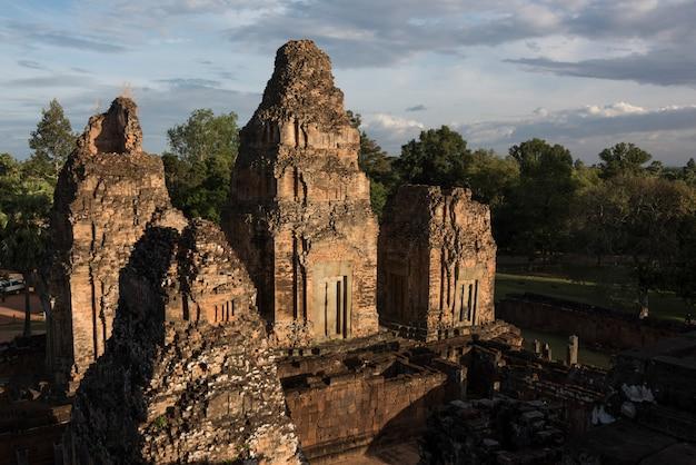 Повышенный вид храма пре-рупа, кронг сием-рип, сием-рип, камбоджа
