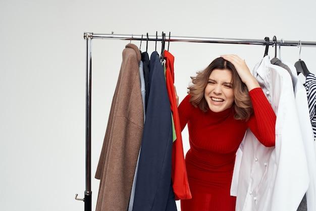 감정적인 여자 옷 걸이 드레서 패션 인테리어 재미 소매 스튜디오 라이프 스타일