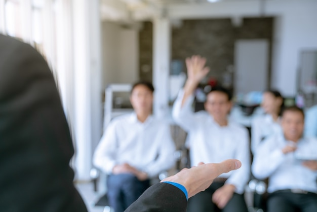 Employees are the questions ask during the meeting, the plan of the company