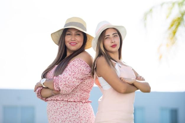 権限を与えられたメキシコの若い成人女性