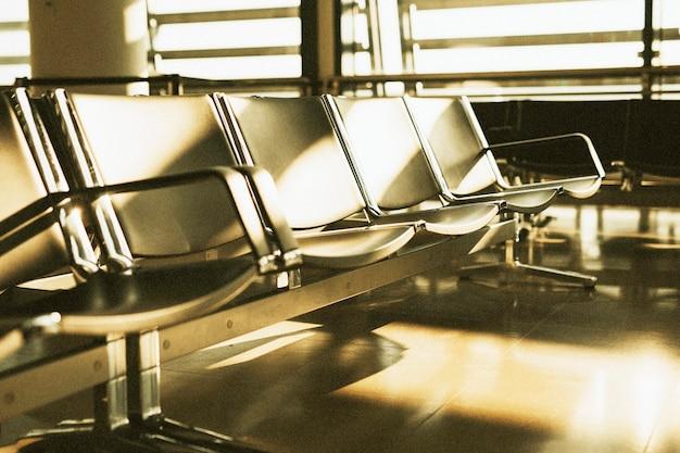 빈 공항 터미널 대기 공간