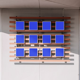 Пустые синие таблички на стене