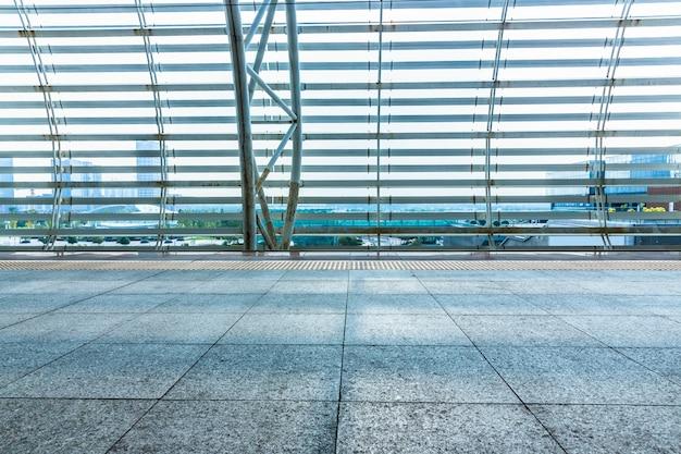 近代空港の空の廊下