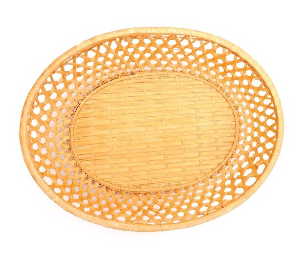 Пустая корзина для фруктов или хлеба на белом, вид сверху.