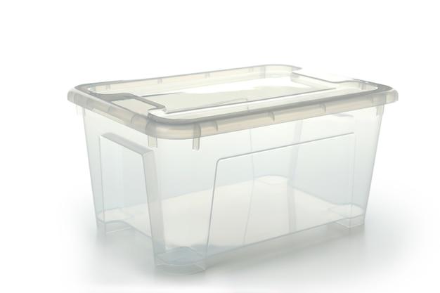 흰색 배경에 고립 된 빈 플라스틱 상자