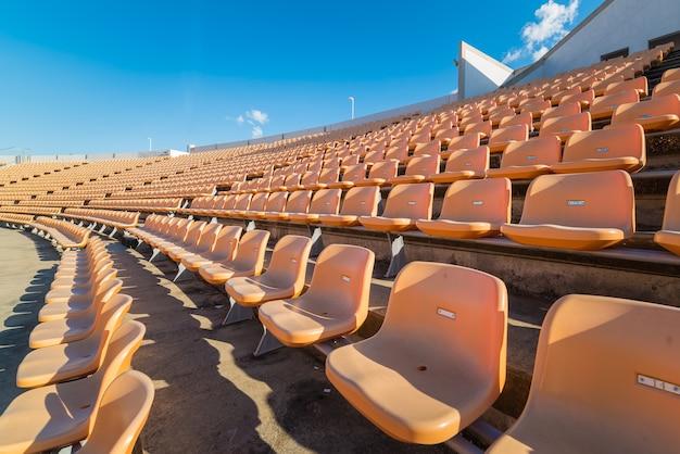 サッカースタジアムで空席