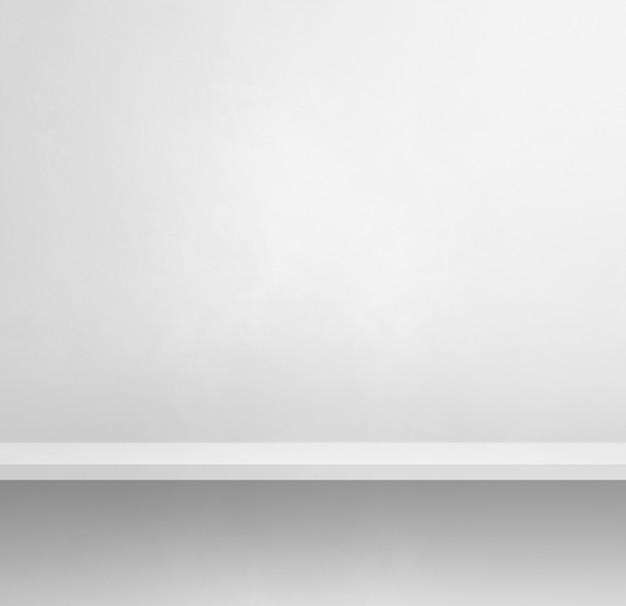 白い壁の空の棚。背景テンプレートシーン。正方形のバナー