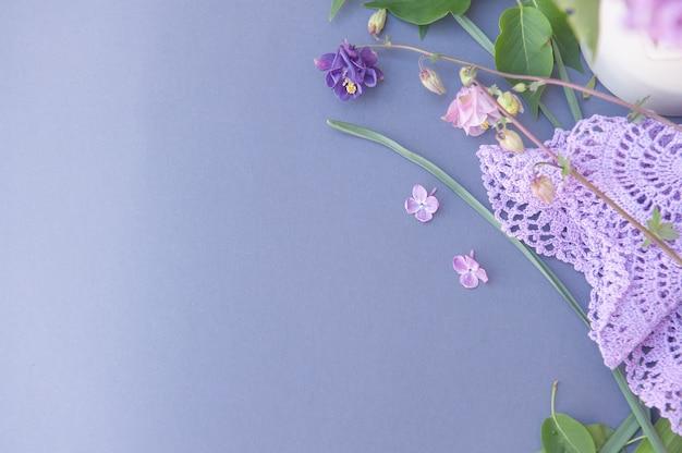 꽃과 레이스 탁상용 빈 공간 배경