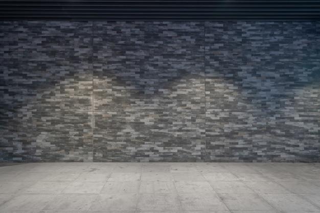 Пустой каменный тротуар и кирпичная стена