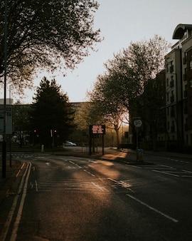 英国ブリストルのコロナウイルスによる空の通り