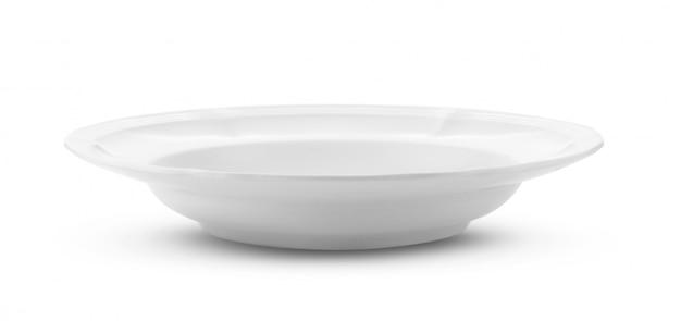 Пустая белая тарелка, изолированная на белом
