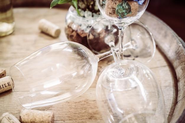 Пустой стакан вина