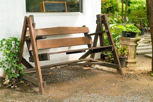 Empty wood bench decoration in garden